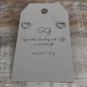 EARRINGS antiqued silver open hearts heart NEW